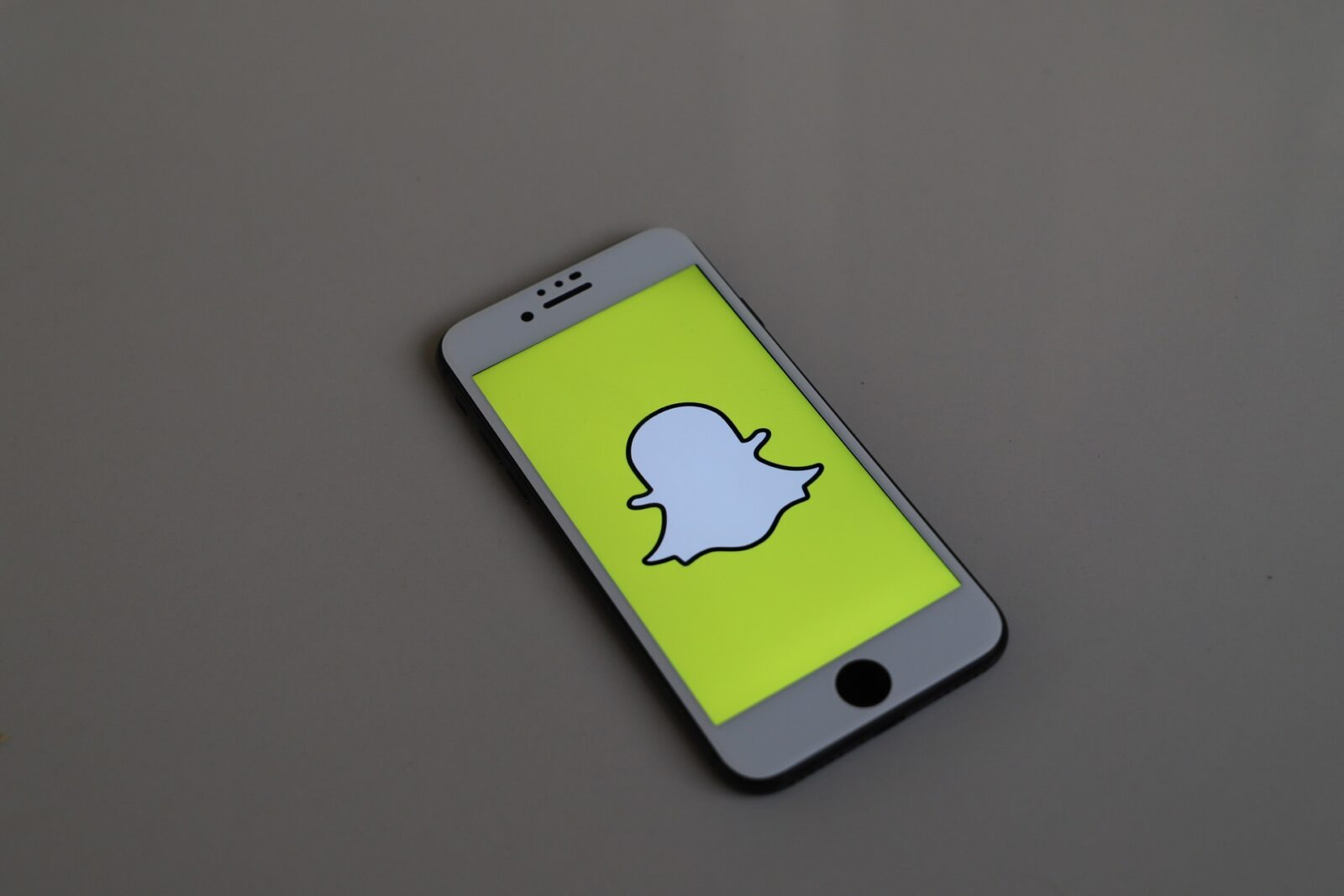 How To Fix Snapchat Stuck On Sending Messages